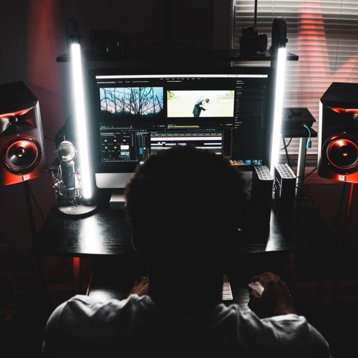 man editing software
