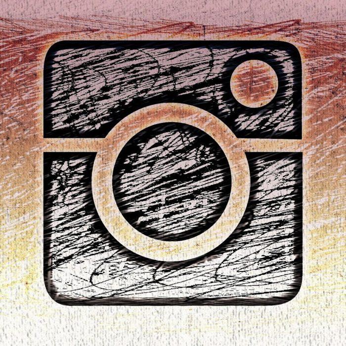 instagram symbol sketch